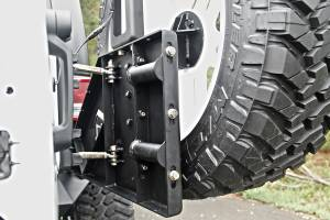 Exterior - Accessories - Fab Fours - Fab Fours Off The Door Tire Carrier JP-Y1261T-1
